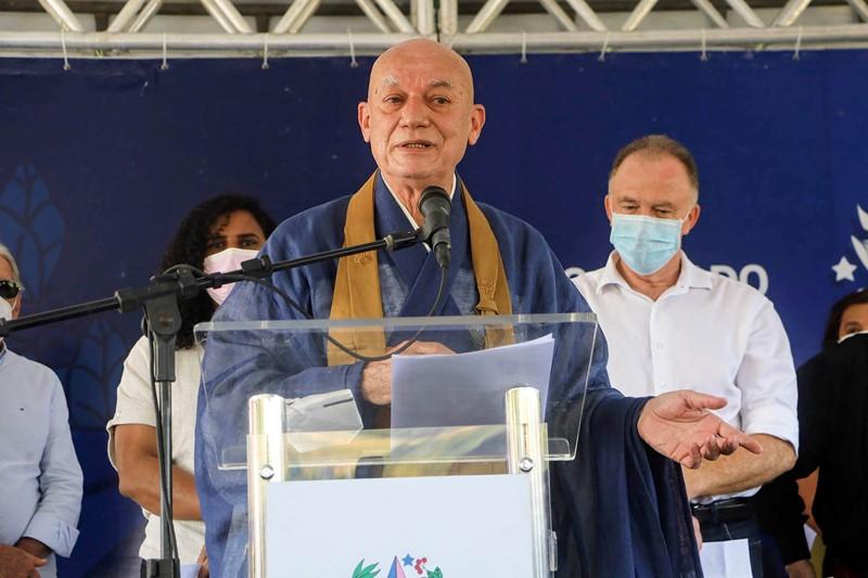 Governador participa da inauguração do monumento Grande Buda de Ibiraçu