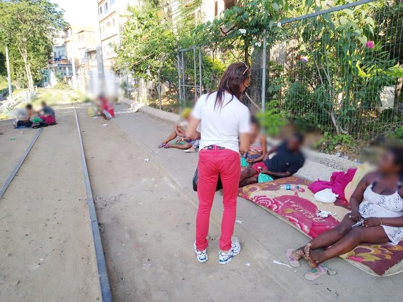 Iniciativa em parceria com SEDH distribui quase 2 mil kits de lanches para população em situação de rua