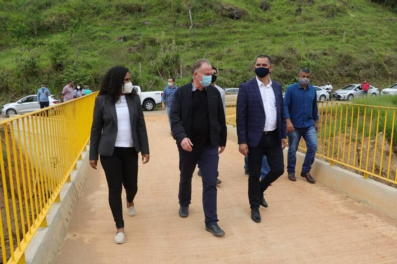 Governador entrega obras de pavimentação da ES-493 e ES-185 na Região Caparaó
