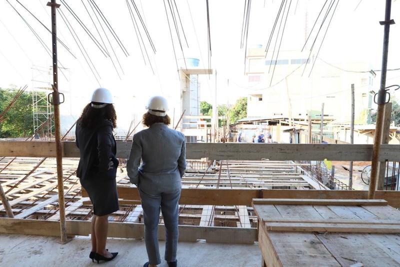 Vice-governadora visita obras de ampliação da unidade oncológica do Hospital Evangélico de Vila Velha