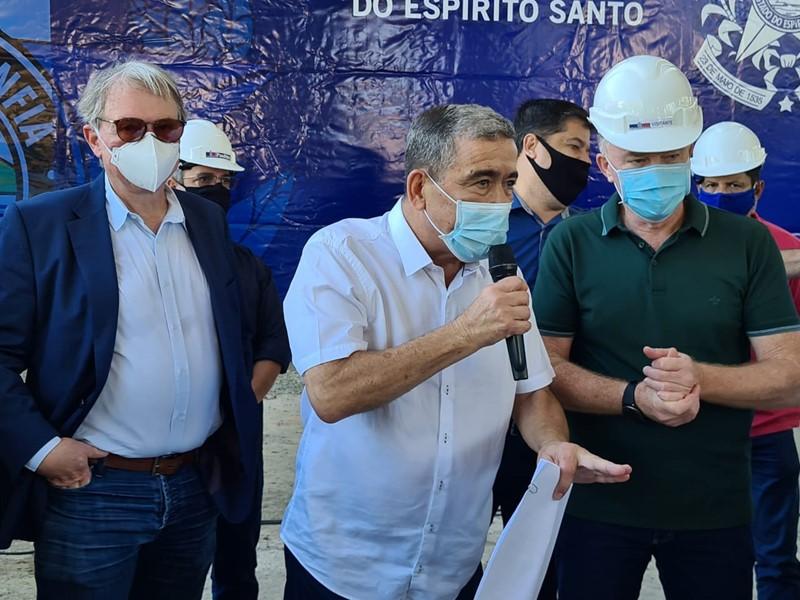 Governador assina Ordem de Serviço e visita obras de macrodrenagem em Vila Velha