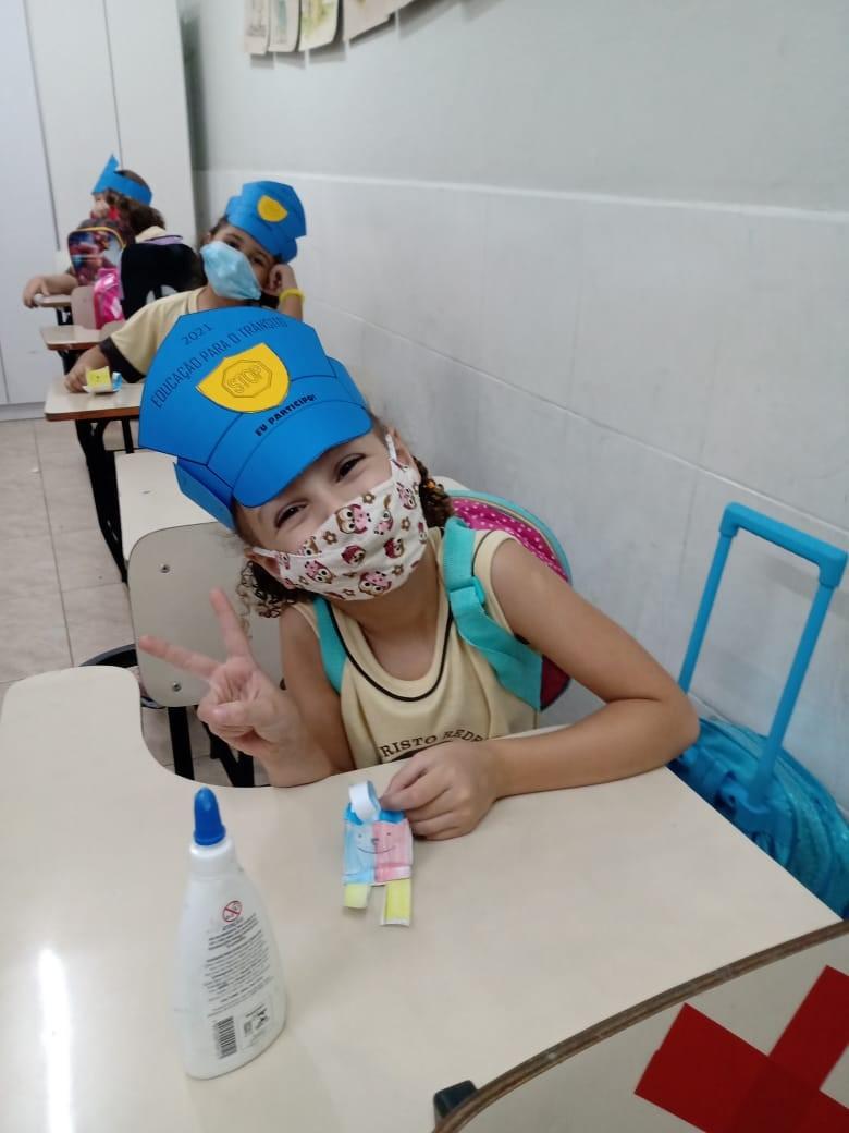 Escola realiza atividades do Maio Amarelo e conscientiza alunos em Vitória