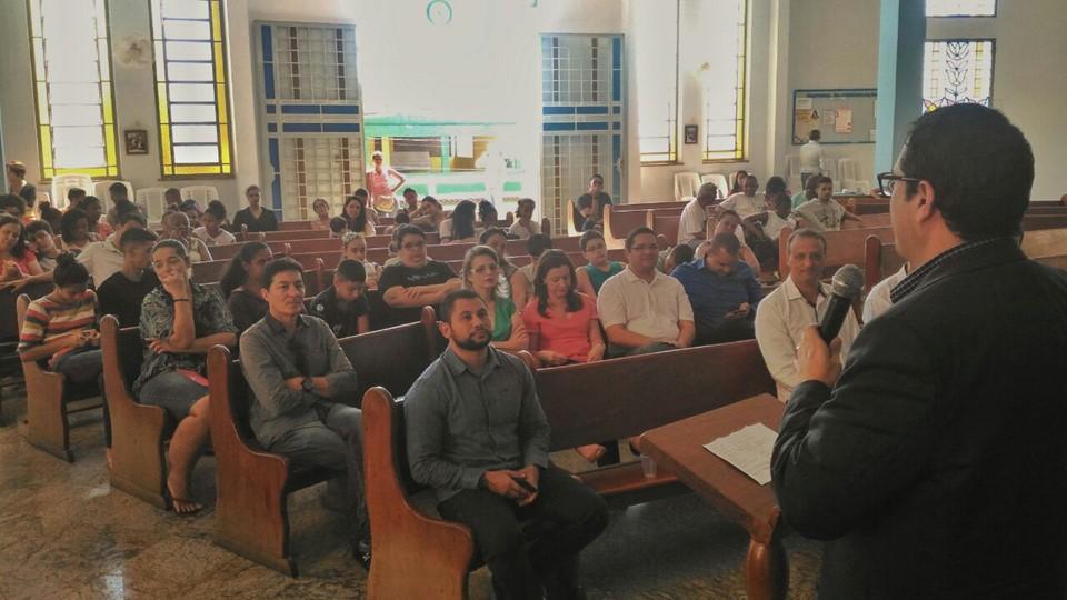 Aulas de música para a comunidade de Zumbi, em Cachoeiro
