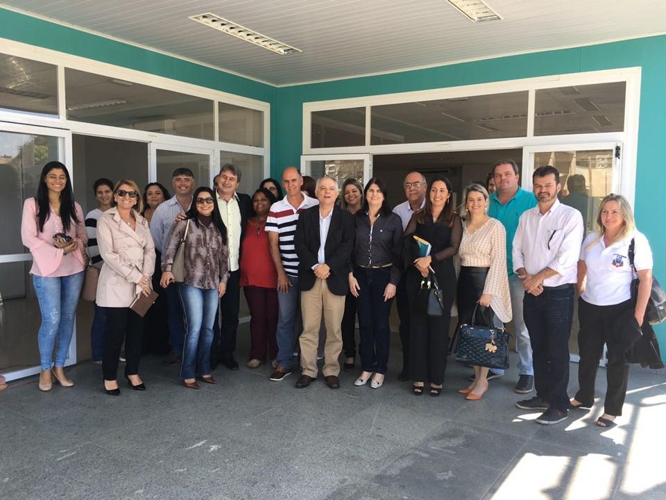 Secretário discute implantação da Rede Cuidar em Guaçuí