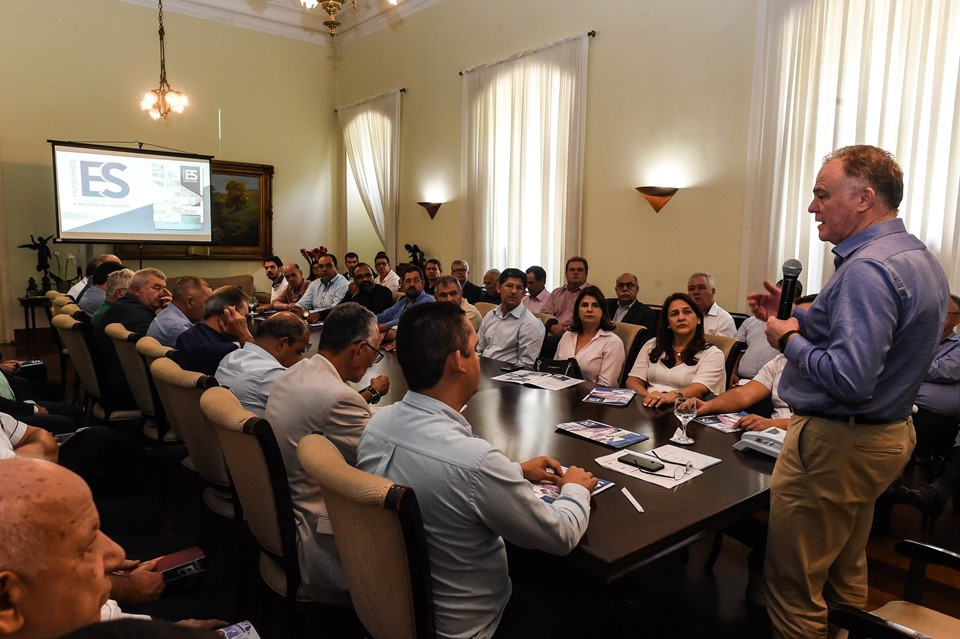 Renato Casagrande recebe prefeitos capixabas no Palácio Anchieta 3