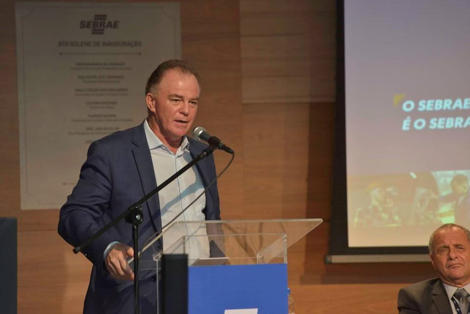 Governador participa de evento do Sebrae e defende redução da burocracia para gerar empregos e renda