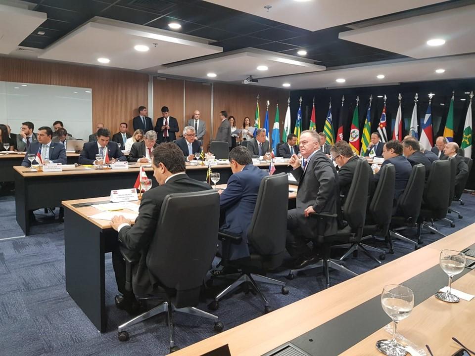 Casagrande participa de nova edição do Fórum dos Governadores em Brasília