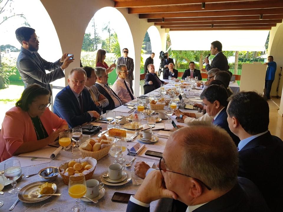 Governador participa do encontro de governadores com presidente da República
