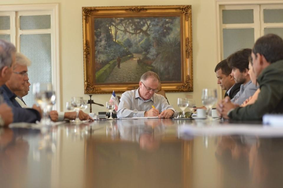 Vereadores de Guaçuí se reúnem com Governador no palácio Anchieta