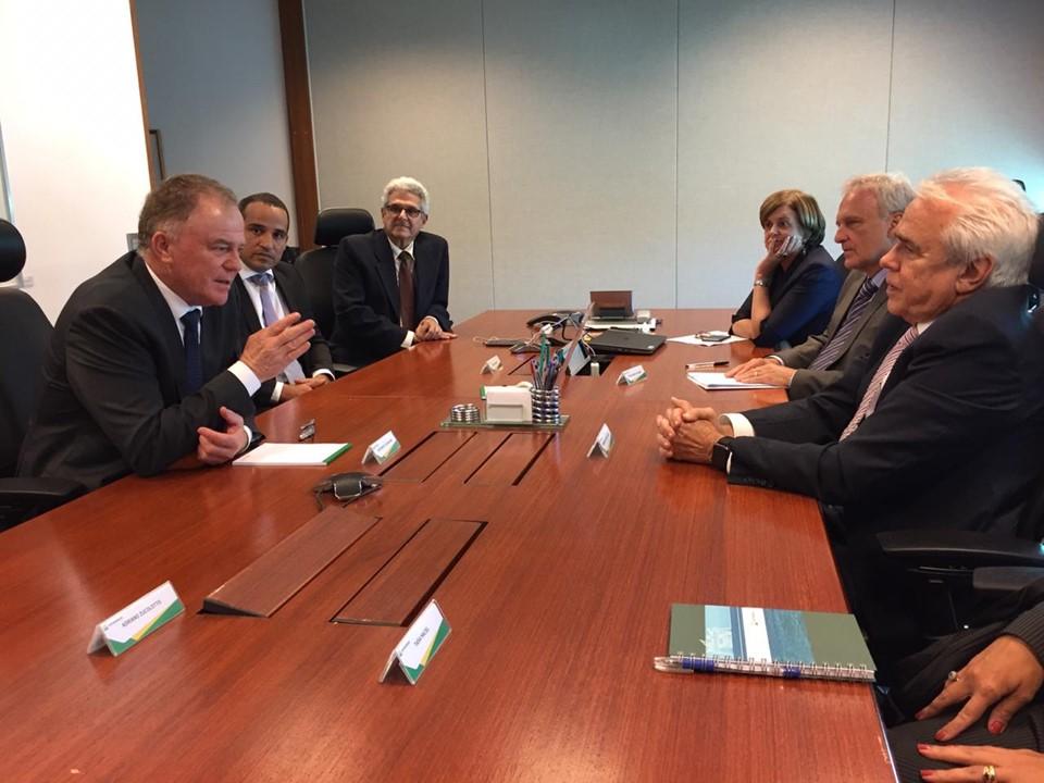 Petrobras confirma plano de investimentos no Espírito Santo durante visita do governador